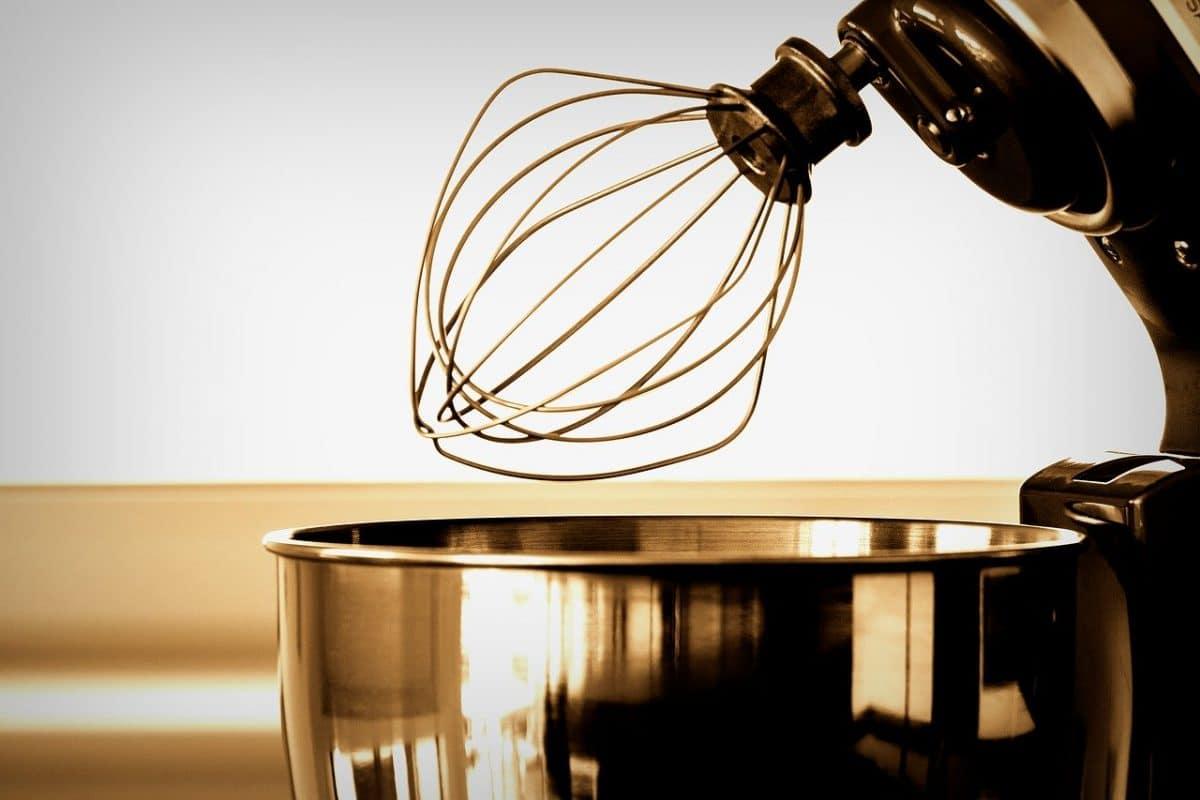 Avis sur le robot-pâtissier SMF13WHEU